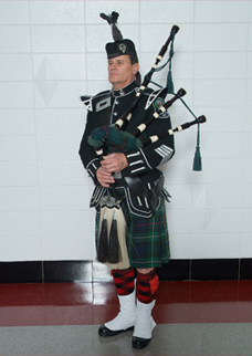 Royal Canadian Mounted Police Pipe Band In Uniform ... |Police Pipe Band Uniforms